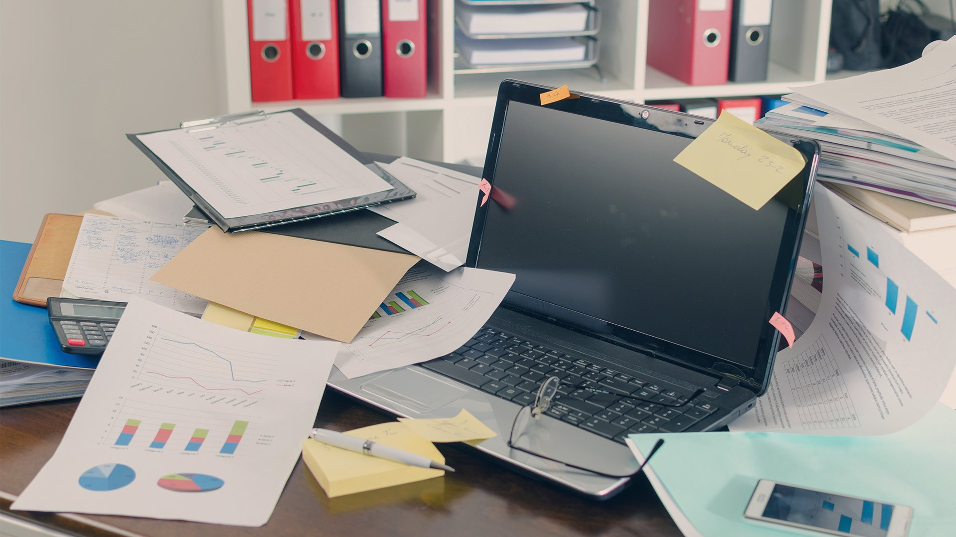 Why an untidy desk may hide a creative mind | Teamwork.com High Performance Blog