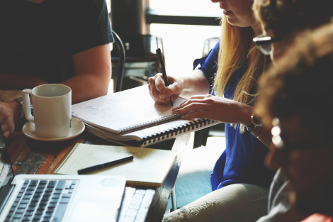 The Importance of Giving Positive Feedback to Your Sales Team